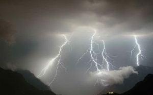 nuova_allerta_meteo_in_sardegna_venti_di_burrasca_pioggia_e_mareggiate-0-0-425973