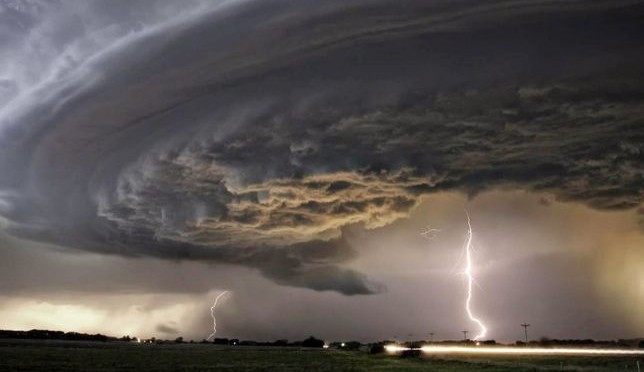 """Previsioni Meteo: nuovo violento ciclone al Sud nel weekend, grande attenzione all'uragano """"Joaquin"""""""
