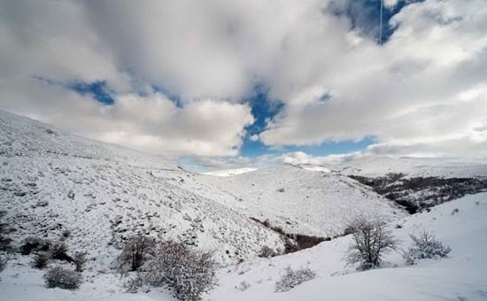 Neve, vento e temperature in calo di dieci gradi: l'Isola nella morsa del freddo