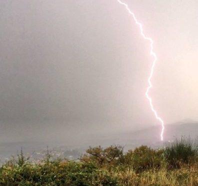 Maltempo, violenti temporali al Centro e in Sardegna: è subito autunno