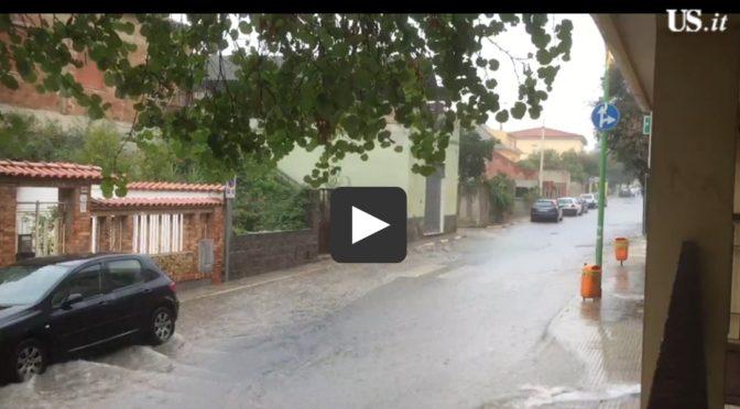 Violenti temporali in mezza Sardegna A Macomer uomo salvato dai vigili